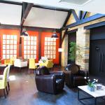Lounge Bereich & Café
