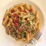 Ham, spinach and bell pepper penne pasta. Brilliant.