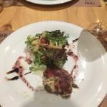 ensalada con mozarella y jamón iberico