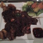 Gedämpfte, marinierte Crevetten mit Glasnudeln, Ingwer und Sojasauce