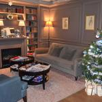 Comfy sitting room decorated for Christmas