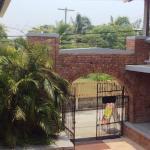 outside hotel caribbean Utila