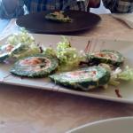 rollito de espinacas con queso y salmon