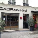 Hotel du Cadran entry