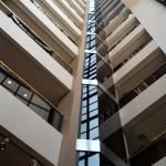 Vista hacia arriba desde el hall