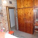 no.1 Bedroom Double Closet and dressing table