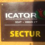 Buena ubicación. Aunque también funciona como centro de capacitación ICAT, lo que disminuye la c