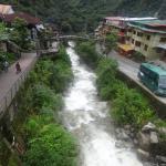 el rio que pasa por la ciudad