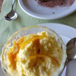 Tiramisú y mousse de naranjas