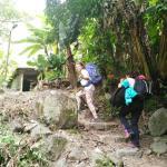 Caminata para llegar al pueblo aguas calientes, Perú y fotos del pueblo.  Lugar inolvidable