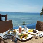 Breakfast by the Infinity Pool of the Presidential Villa