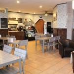 Eats & Sweets Café
