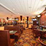 Photo de BEST WESTERN PLUS Airport Hotel / Arundel Mills
