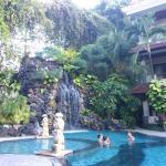 piscina con cascata cervicale!