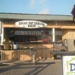Photo de Aksata Beach Resto and Bar