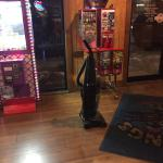 What is wrong with a restaurant that brings out the vacuum 40 minutes prior to closing while cus
