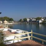Photo de Lake Shore Hotel