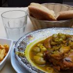 Pain maison et poulet aux olives