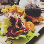 Soiree des rois 2016!!!ambiance assurée et la nouveauté :le burger au saumon et son pain à l'enc