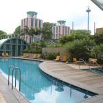 Outdoor Pool & Jacuzzi