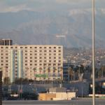 Photo de Embassy Suites by Hilton Hotel Los Angeles International Airport South