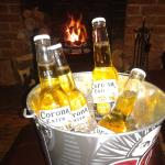 £10 for 4 beers in a bucket of ice 6pm till 10 pm . Amazing !!