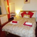 Room 4 Double Bedroom with en-suite