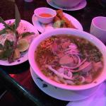 24 hrs Pho Restaurant with good selection of Vietnamese Pho and other dishes!