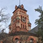 Reminds me of the Bishops Palace in Galveston, TX.