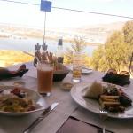 Muy buena comida y una gran vista