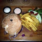 Saté , hamburger 150gr (best ever!), Dorrup-plankje