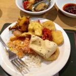 YUUUMMMY Buffet Food - Mighty Fine