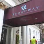 Broadway Hotel and Hostel Photo