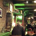 Superb Irish pub .