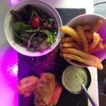 Bonbon de cabillaud (fish and chips) sauce basilic