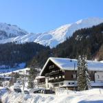 Hotel Mateera Aussenansicht Winter