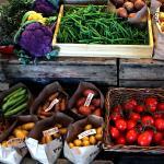 Alltid färska och färgstarka grönsaker i lanthandelns butik