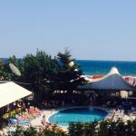 Photo de DIT Evrika Beach Club Hotel