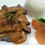 Lunch special - beef served with Phanaeng sauce, steamed rice and vegetables.  Sauce is rich and