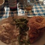 Stroud's Restaurant & Bar Photo
