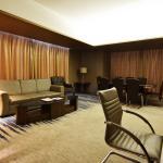 Presidential Suite Room2