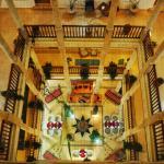 le patio de l hotel du palais des remparts