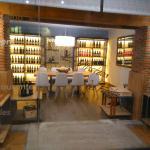 """Restaurante Hotel - reservado """"Vinoteca"""""""