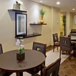 Photo de Holiday Inn Express Hotel & Suites Beaumont-Parkdale