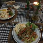 Restaurant sympa où l'on peut savourer des plats typiques balinais faits maison et à des prix tr