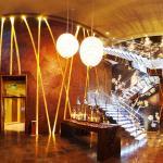 Yan Club Hallway