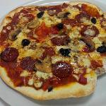 PIZZA PEPERONATA ET PEPERONI