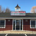 Mama Angela's pizzeria