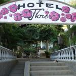 Photo de Hotel Flores
