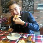 We love pizza ^^